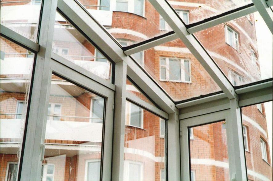 Свето-прозрачные крыши и люки.